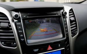 2013-hyundai-elantra-gt-back-up-camera